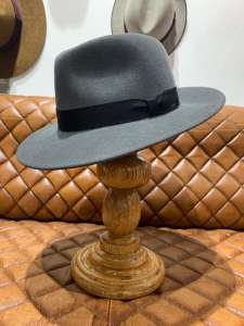 Fedora Ammon Steel Bailey California, Szary