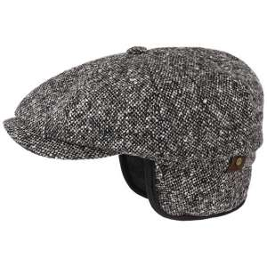Hatteras 6 cap with Ears Flaps black and white
